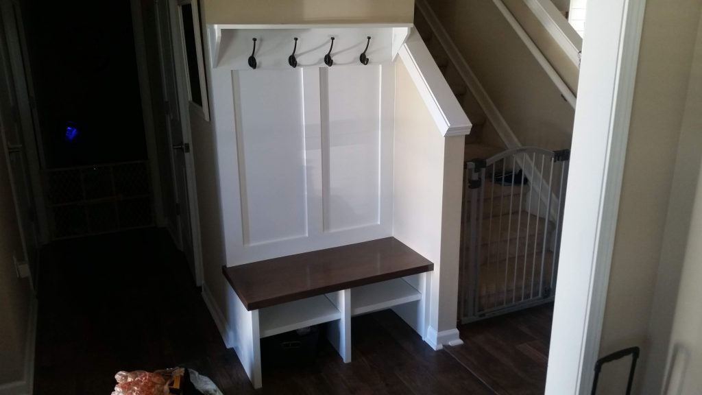 Small Entry Way Bench Seat